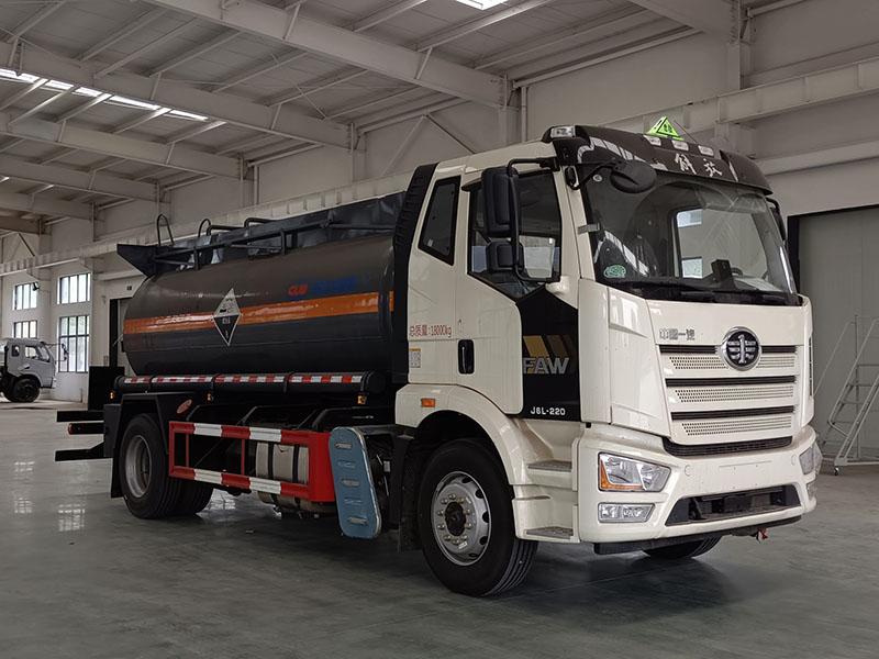 程力牌CL5180GFWC6型腐蚀性物品罐式运输车